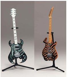 guitar hero mini guitar set feedback frydaze. Black Bedroom Furniture Sets. Home Design Ideas